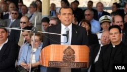 Mario Canahuati, dijo que los féretros serán trasladados a la base aérea Hernán Acosta Mejía en un avión de la Fuerza Aérea Mexicana,