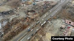 爆炸发生第二天航拍事故现场及周边受损情况网络图片 (博讯)