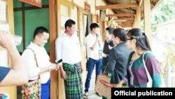 တရားစြဲဆိုခံထားရေသာကခ်င္ေခါင္းေဆာင္သံုးဦးကို ၿမိဳ႕နယ္တရားရံုးက စစ္ေဆးစဥ္( ၁၈၊ ၆၊ ၂၀၁၈ ရက္ေန႔ -Kachin Youth Movement)