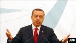 Thủ tướng Thổ Nhĩ Kỳ Recep Tayyip Erdogan đến thăm Lebanon
