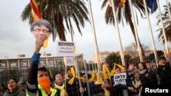 Catalonia ေခါင္းေဆာင္ေဟာင္းကို ဖမး္တဲ့အေပၚ ကန္႔ကြက္ဆႏၵျပ