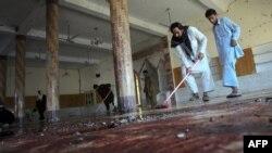 Ðền thờ Madina sau vụ đánh bom tự sát hôm 19 tháng 8, 2011
