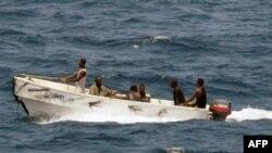 Архив: лодка с сомалийскими пиратами