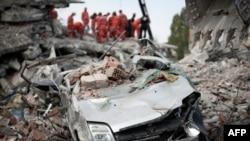 Veniten shpresat për gjetjen e të mbijetuarve nga tërmeti në Turqi