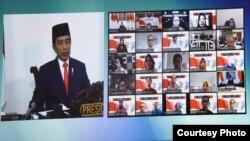 Presiden Jokowi saat Peresmian Peluncuran Produk Riset, Teknologi dan Inovasi untuk Percepatan Penanganan Covid-19 melalui Video Conference yang disiarkan langsung melalui akun YouTube Kemenristek/BRIN, Rabu (20/5). (Foto: Humas SekabRI/Oji)