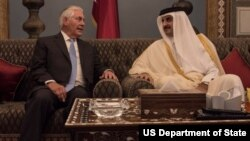 وزیر خارجه آمریکا و شیخ تمیم بن حمد بن خلیفه آل ثانی امیر قطر