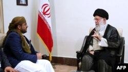 Mohammed Abdul-Salam, juru bicara kelompok Houthi bertemu Pemimpin Tertinggi Iran Ayatollah Ali Khamenei di Teheran, Selasa (13/8).