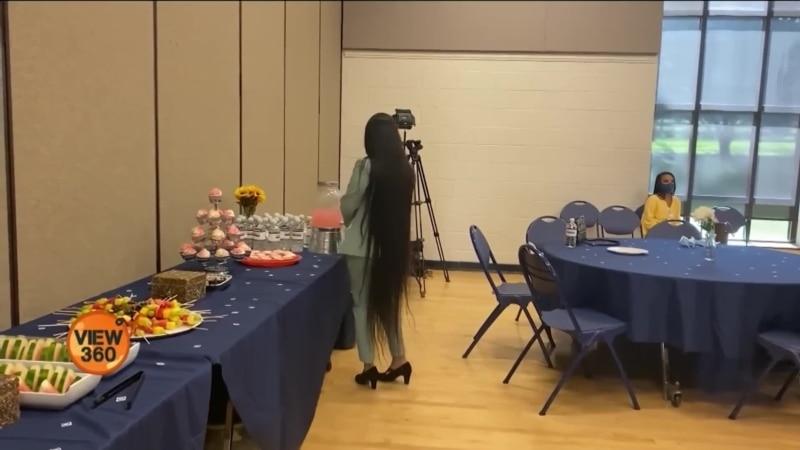 پانچ فٹ سے زیادہ لمبے بال عطیہ کرنے والی پاکستانی thumbnail