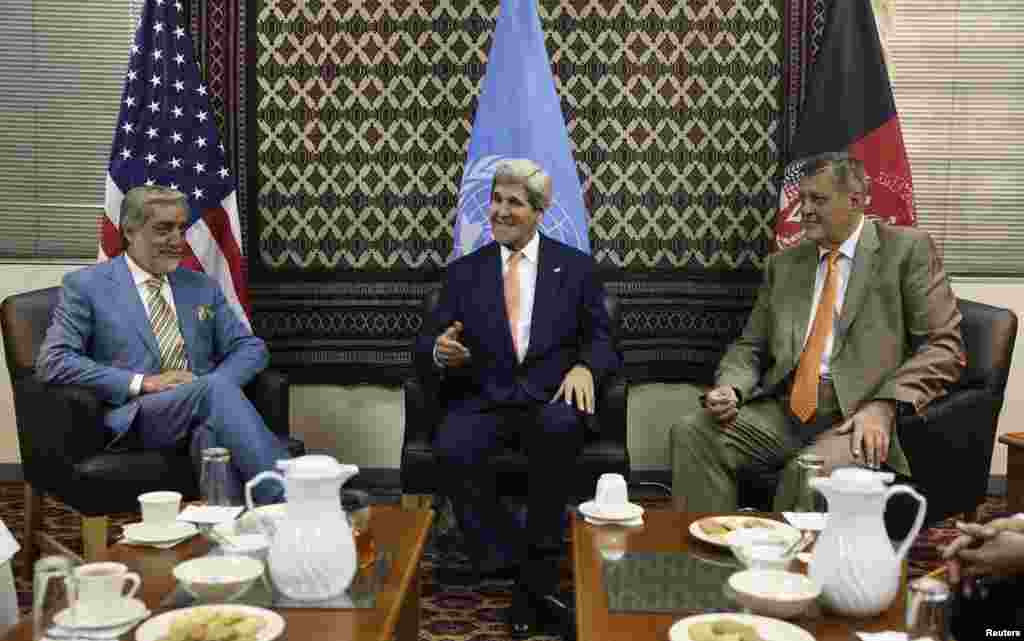 U.S. Secretary of State John Kerry (center) talks as Afghanistan's presidential candidate Abdullah Abdullah (left) and Jan Kubis, the U.N. Secretary-General's special representative, listen during a meeting at U.S. embassy, in Kabul, Aug. 8, 2014