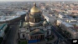 Исаакиевский собор. Санкт-Петербург, Россия (архивное фото)