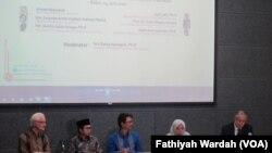 Seminar publik Challenges to Religious Pluralism and Tolerance di Jakarta, Rabu (15/6). (VOA/Fathiyah Wardah)