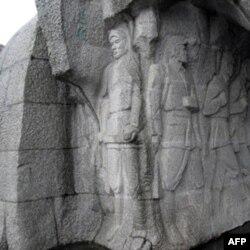 红军突破湘江烈士纪念碑园群雕细部
