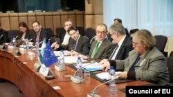 Yevropa Ittifoqi rasmiylari, Bryussel, 17-mart, 2014