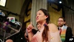 Iglesia de NY brinda refugio a madre indocumentada