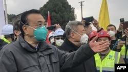 中国总理李克强在视察武汉新建医院工地时讲话。(2020年1月27日)