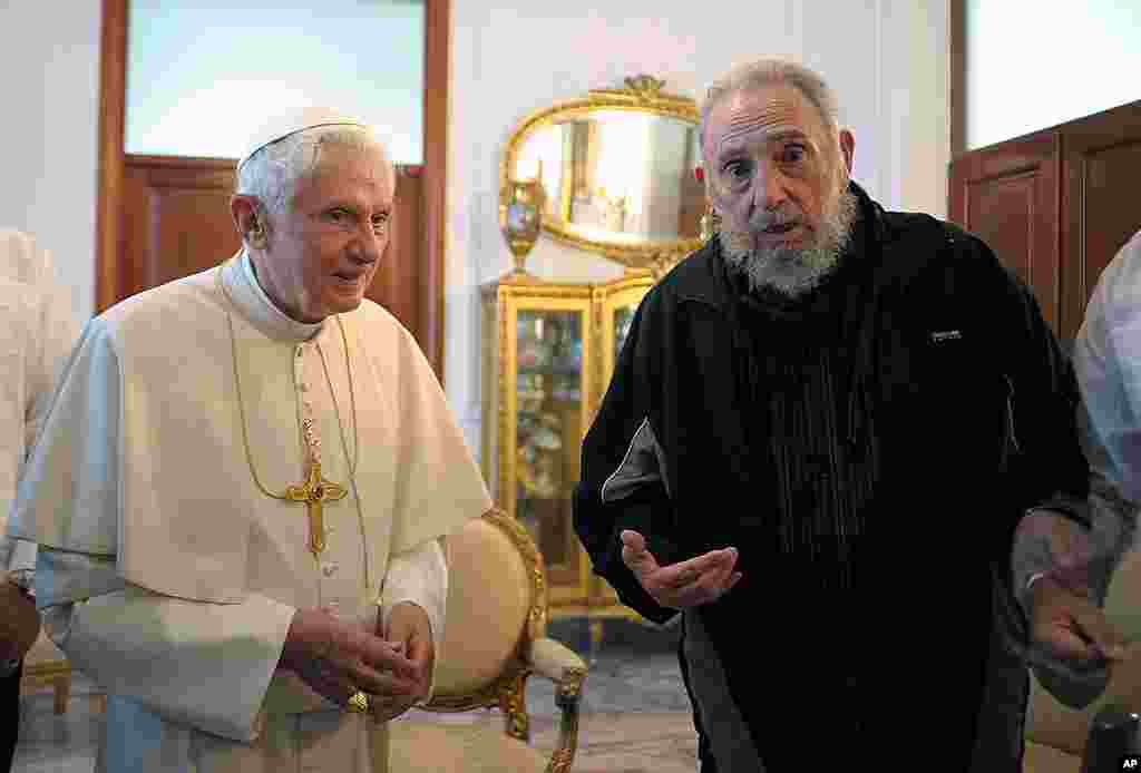 In this picture made available by the Vatican newspaper Osservatore Romano Pope Benedict meets with Fidel Castro in Havana, March 28, 2012. (AP/Osservatore Romano)