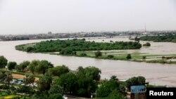 Agace karengewe n'isuri y'amazi hagati ya White Nile na Blue Nile i Khartoum