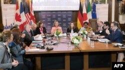 Министры иностранных дел G7, глава МИД Канады Христя Фриланд и глава европейской дипломатии Федерика Могерини проводят переговоры. Торонто, Канада. 22 апреля 2018 г.