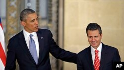 美国总统奥巴马与墨西哥总统涅托5月2日在墨西哥城