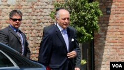 French Foreign Minister Laurent Fabius arrives for talks in Vienna, July 12, 2015. (Brian Allen/VOA)