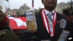 Los peruanos votarán el domingo en un referendo sobre medidas anticorrupción.