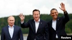 Setelah selesai menghadiri KTT G8 di Irlandia, Presiden Obama (kanan) melanjutkan lawatan di Jerman (18/6).