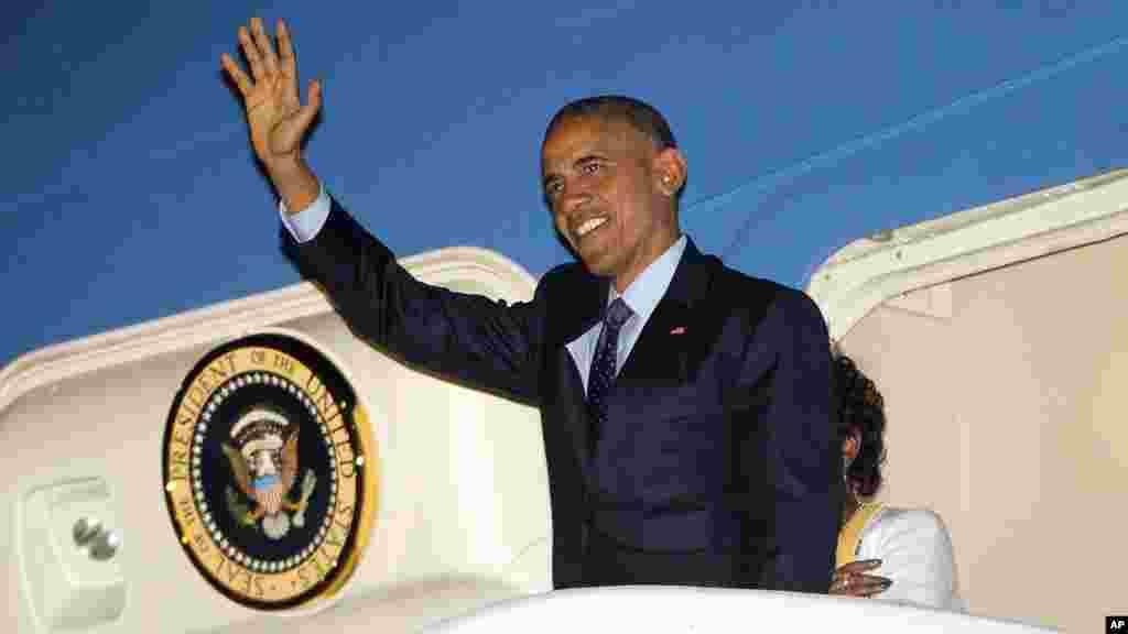 Shugaba Barack Obama ya ziyarci Jamaica.