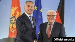 Crnogorski premijer Milo Đukanović i nemački šef diplomatije Frank Valter Štajnmajer tokom susreta u Berlinu (gov.me)