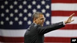 Ông Obama nói rằng dành ưu đãi thuế cho người giàu trong lúc giới trung lưu phải chật vật để kiếm sống là không công bằng.