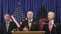 سناتور مک کین کاهش نظامیان آمریکا در افغانستان را «ریسک غیر ضروری» خواند