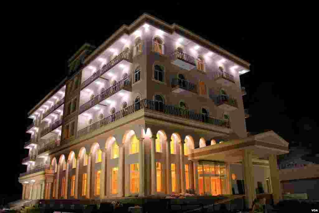 هوتل غلغله یکی از پنج هوتل مجلل در شهر بامیان است