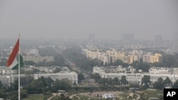 Kabut tipis menyelimuti ibukota New Delhi, India, 16 Oktober 2019. (Foto: dok).