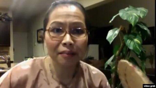 Cô Trang Lê với biệt danh Bà Ngoại Xì Tin