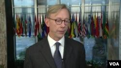 美国伊朗事务特使胡克在国务院接受美国之音采访。(2019年12月11日)