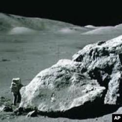 بجلی اب چاند سے