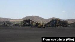 Extracção de carvão em Moatize, Tete, Moçambique