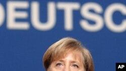 Μέρκελ: Κανένα μέλος της Ευρωζώνης δεν κινδυνεύει με αναδιάρθρωση χρέους