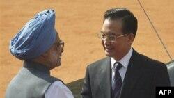 Kineski premijer Ven Djiabao i indijski premijer Manmohan Sing u Nju Delhiju