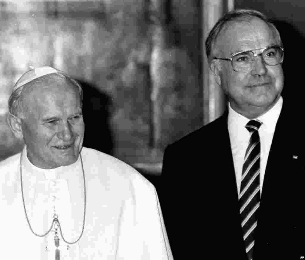 24 июня 1986, встреча канцлера ФРГ Коля с Папой Римским Иоанном Павлом II