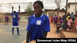 Carine, un produit de la Team messa volley-ball, à Yaoundé, le 10 août 2019. (VOA/Emmanuel Jules Ntap)