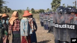 Myanmar Protesters Hurt in Clashes