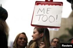 '미투' 운동 집회에 참석한 여성들.