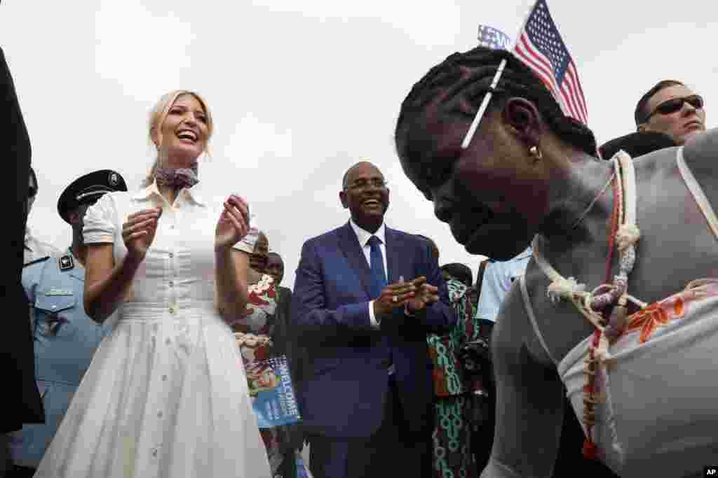 ایوانکا ترامپ دختر و مشاور رئیس جمهوری آمریکا با هدف تقویت کارآفرینی زنان به چند کشور آفریقایی سفر کرده است.