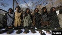 Арестованные бойцы-талибы. Кабул. 5 января 2016 г.