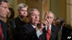 Các Thượng nghị sĩ John Barrasso, Lindsey Graham, Bill Cassidy và Mitch McConnell tại Quốc hội hôm 26/9.