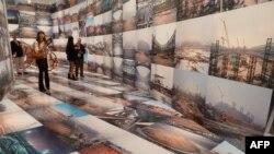 Tác phẩm của nghệ sĩ Ngải Vị Vị trưng bày tại Viện bảo tàng Hirshhorn