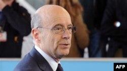 Министр иностранных дел Франции Ален Жюппе. Люхембург. 12 апреля 2011 года