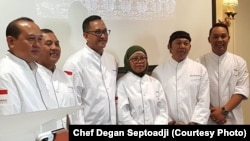 Chef Degan Septoadji (ketiga dari kiri) memimpin tim juru masak profesional untuk tampil dalam festival di Paris, Perancis. (Courtesy photo: Degan Septoadji)
