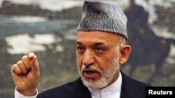 阿富汗总统卡尔扎伊6月12日在喀布尔