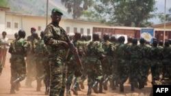 Un ex-rebelle intégré à l'armée centrafricaine au cours d'une cérémonie, Bangui, le 5 fevrier 2018